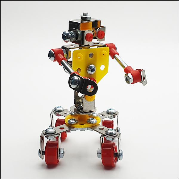 [척척박사네2517] 회전 로봇 자동차