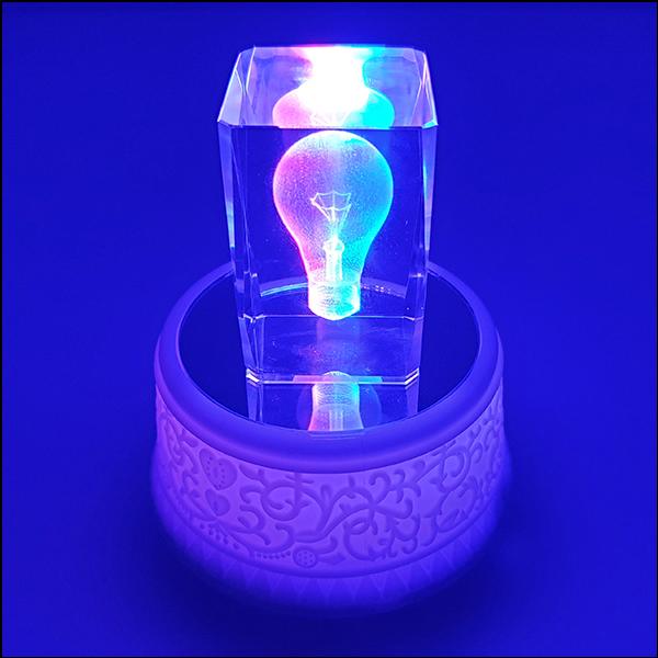 [척척박사네2763] LED 회전 오르골-무지개 크리스털 입체 전구