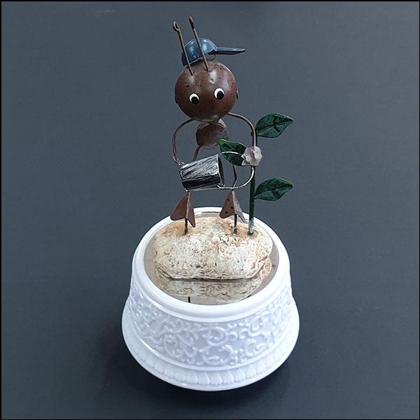 [척척박사네2770] LED 회전 오르골-양철 개미